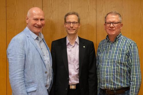Hartmut Kämpfer mit seinen Vorgängern im Amt: Gerald Pauly (links) und Uli Remmel (rechts)